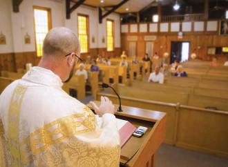 Papa inascoltato se denuncia la sindrome da microfono