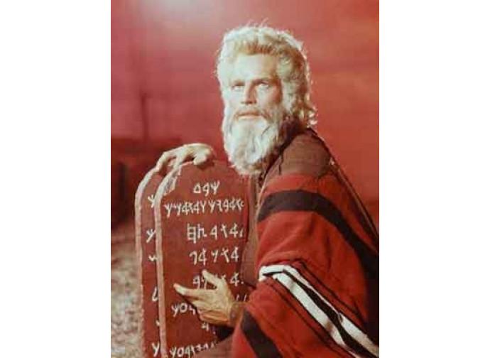 I 10 Comandamenti (Charlton Heston nel ruolo di Mosè)