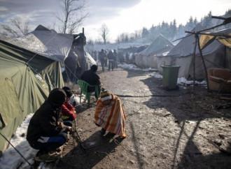 L'inverno difficile degli emigranti bloccati in Bosnia