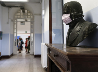 """Scuola, il decreto """"no mask"""" che può rompere il sistema"""