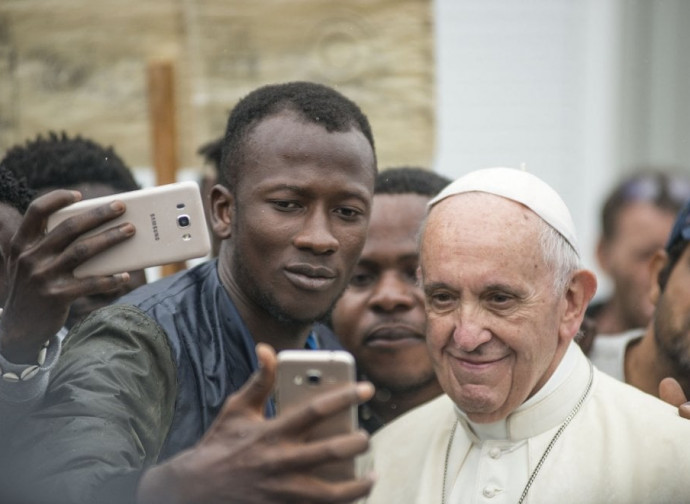 Il Papa al suo arrivo a Cesena (foto Michele Lapini / Eikon)