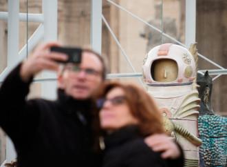 Vaticano o Saturno? Ci tocca anche il presepe alieno