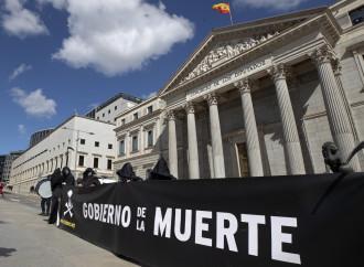 """La Spagna, trasformata in un """"campo di sterminio"""""""