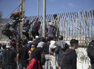 8.000 migranti a Ceuta, alta tensione Spagna-Marocco