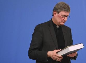 «Dimettiamoci»: ricatto dei vescovi all'anti-scisma Woelki