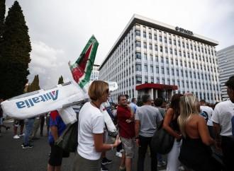 Finisce l'agonia di Alitalia, ma continueremo a pagarla