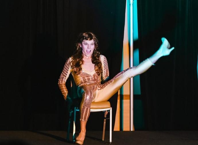 Un drag show in un'università dei gesuiti
