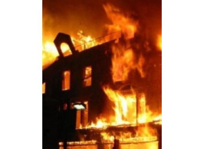 chiesa che brucia Nigeria