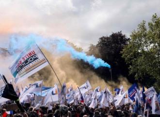 """Polizia in piazza: """"Noi vittime di violenza e islamismo"""""""