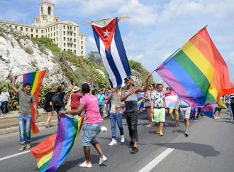 """Il presidente di Cuba a favore delle """"nozze"""" gay"""