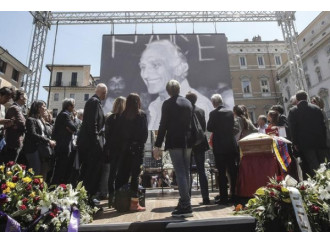 Pannella, funerali laici di un leader religioso