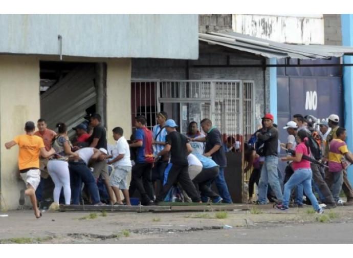 Un saccheggio in Venezuela