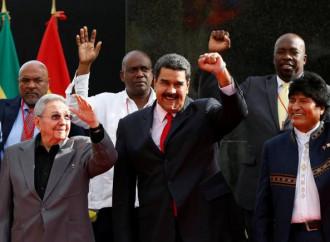 Il surreale amore a 5 Stelle per il baratro venezuelano