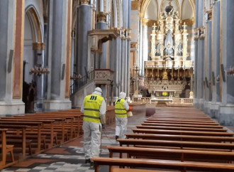 Lockdown alla napoletana: chiese aperte 2 ore e confessioni se opportune