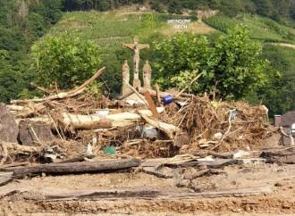 L'alluvione e il Crocifisso che ricorda la via per la salvezza