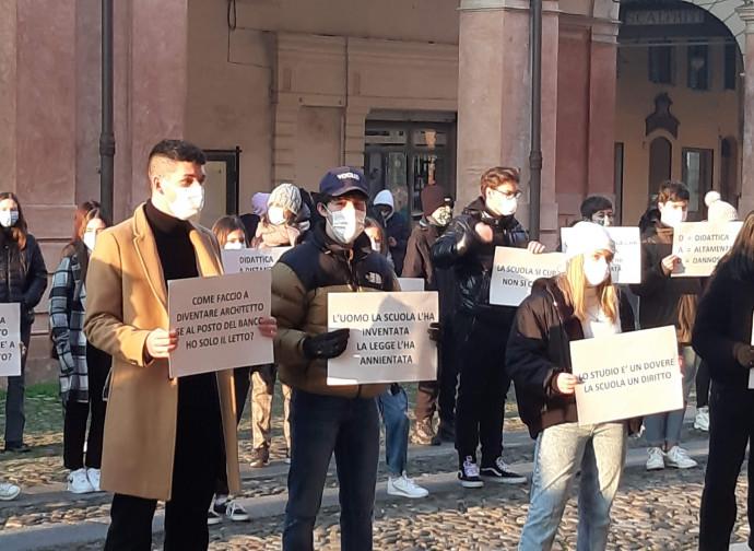 Una manifestazione di ragazzi a Correggio (RE)