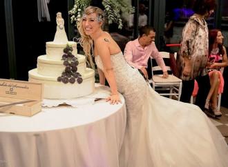 La self-sposa e il trito quarto d'ora di celebrità
