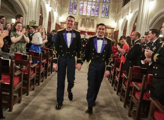 """Due ufficiali gay si """"sposano"""" a West Point"""