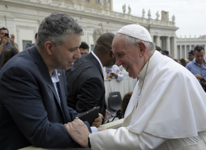 Il Papa col regista del Docufilm su di lui