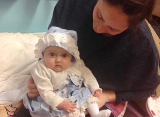 Mamma di 9 bimbi: «Anche mia figlia denutrita e disidratata»