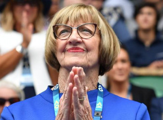 """L'ex tennista Margaret Court critica le """"nozze"""" gay e scoppia la bufera"""