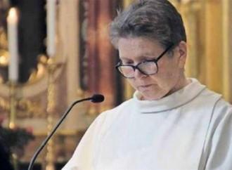 Alle donne i funerali, i preti intanto vanno a sciare