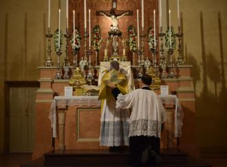 Una messa in latino celebrata da un gruppo stabile a Correggio (RE)