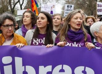 No alle processioni, ma i raduni femministi si faranno