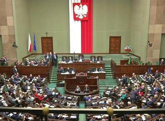 Che bugie sulla Polonia che difende i bambini dagli orchi