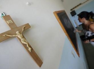 Crocifisso a scuola: sì ma anche no. Ora serve una norma