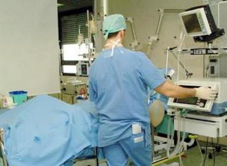 Malati, il nemico è l'uso politico della medicina