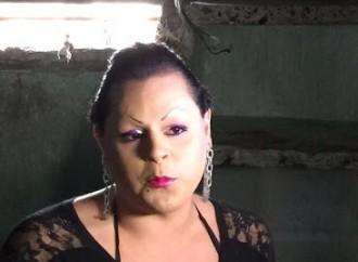 Detenuto trans violenta detenuta
