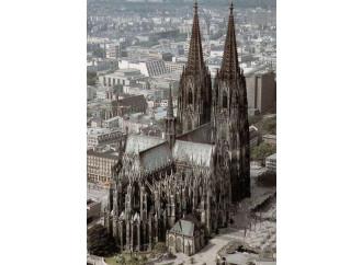 Da Colonia parte l'assalto all'episcopato
