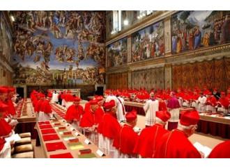 Si chiudono le porte del Conclave, ora l'attesa