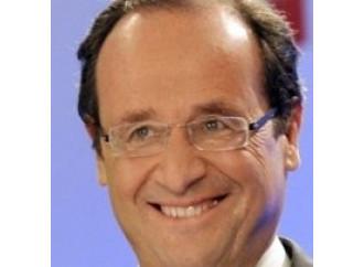 """Hollande elimina  la """"razza""""  dalla Costituzione"""