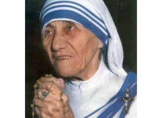 """Mazzota: """"Madre Teresa, una perfetta identificazione con il Crocefisso"""""""