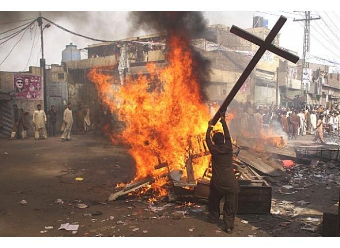 Pakistan, pogrom anti-cristiano
