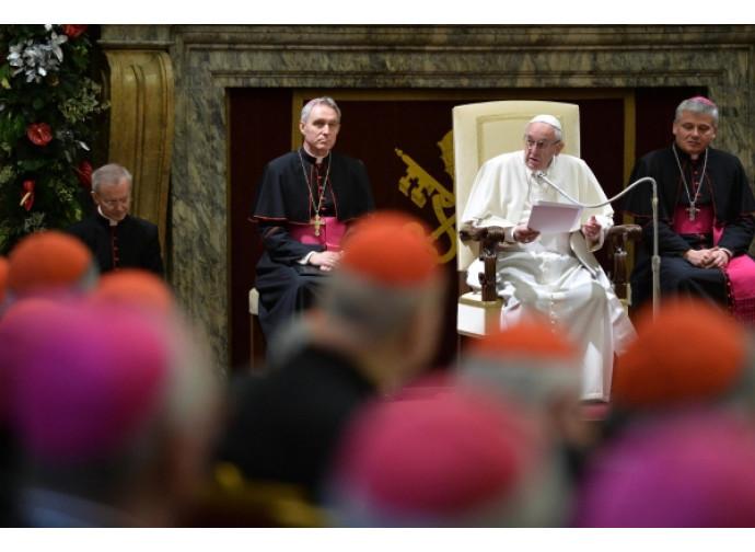 Il Papa con vescovi e cardinali