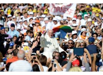 Il Papa: «Il Diavolo vuole distruggere la famiglia»