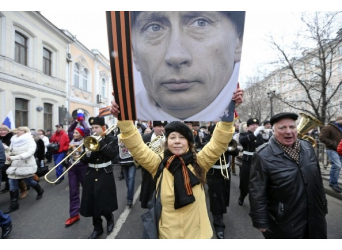 Russia, manifestazione patriottica