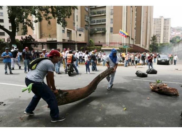 Venezuela, manifestazione dell'opposizione