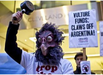 """""""Fondi avvoltoi"""" e """"carogne argentine"""""""