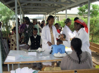 Dall'Italia una campagna per l'accesso di tutti ai farmaci e alle cure mediche… in Africa