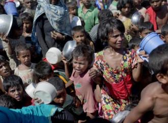 A un anno dall'inizio dell'esodo dei Rohingya sono mezzo milione i piccoli rifugiati senza futuro