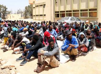 Algeria, Tunisia e Libia rifiutano di ospitare centri per emigranti