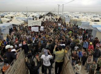 Il Libano non può continuare a ospitare quasi un milione di rifugiati siriani