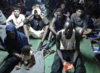 Decine di emigranti irregolari soccorsi nel Mediterraneo rifiutano di sbarcare a Misurata