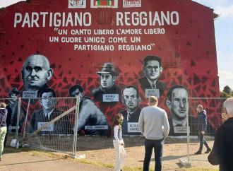 Il murales partigiano vìola il codice stradale (e la storia)