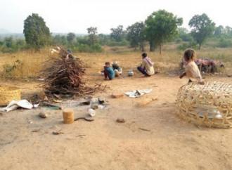 Centinaia di dalit tribali e di musulmani sfollati allo stremo nell'Uttar Pradesh