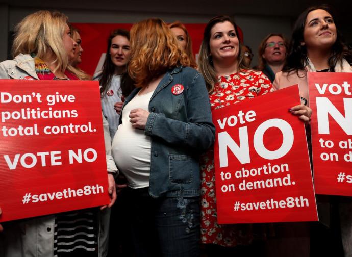 Irlanda, campagna contro l'aborto